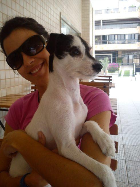 Fofura (agora Vicky) curtindo o colinho de sua mãe Daniela